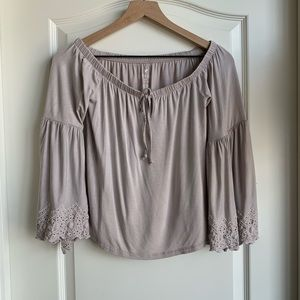 American Eagle off the shoulder shirt size XS